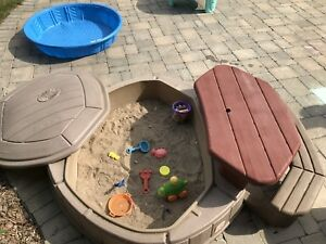 Step 2 sand box and picnic table with lid