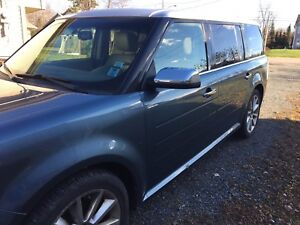 MUST GO!!!Ford Flex (7 passenger seating!)
