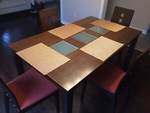 Solid wood Dining Table with chairs(Leon's)