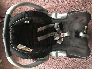 Graco Car seat with base valid till 23 Sep 2020