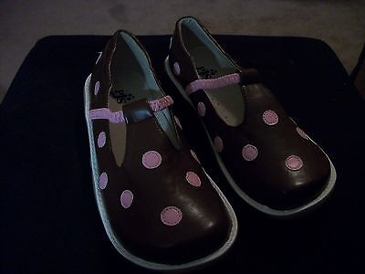 NEW GIRLS LEATHER SHOES PUDDLE JUMPERS SALE BROWN W/ PINK DOTS YOUTH SIZE 6