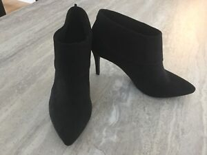 NEW Black faux Suede Ankle Boots size 6