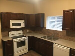 3 Bedrooms Appartement, Moncton Available March1st