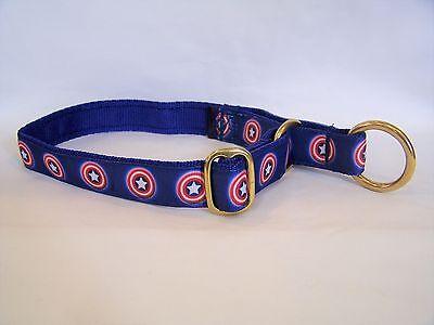Hund Captain America (Captain America soft feel webbing brass alaskan semi-slip dog collar)