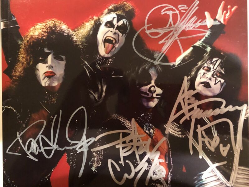 KISS Destroyer Era 8x10 Photo Originally Autographed By All Gene Paul Ace Peter