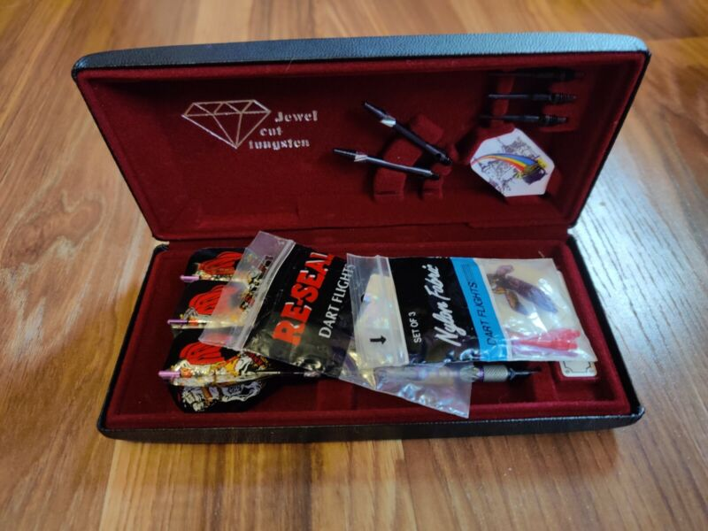 Viper Jewel Cut Tungsten Darts, Carry Case and Extras