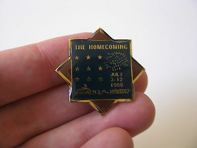 Vtg Old 1988 Cincinnati Ohio USA Homecoming July 3-12 Riverboat Hat Lapel Pin Sm
