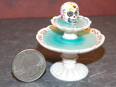 Dollhouse Miniature Halloween Fountain skull 1:12 inch scale Y41 Dollys Gallery - Halloween Fountain