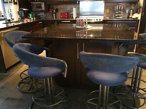 Bar stools/ Tabourets de bar