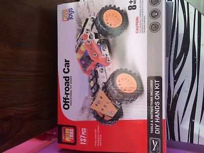 Assembly Alloy Toys Model OFF-ROAD CAR Kit 137 Pieces Totally Cool Toys NIB