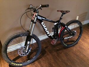 2010 giant glory downhill bike