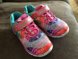 Sketchers size 10 kids runners
