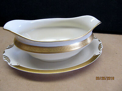 "SYRACUSE  ""BRACELET""  GOLD ENCRUSTED GRAVY BOAT W/ATTACHED UNDERPLATE $100 VALUE"