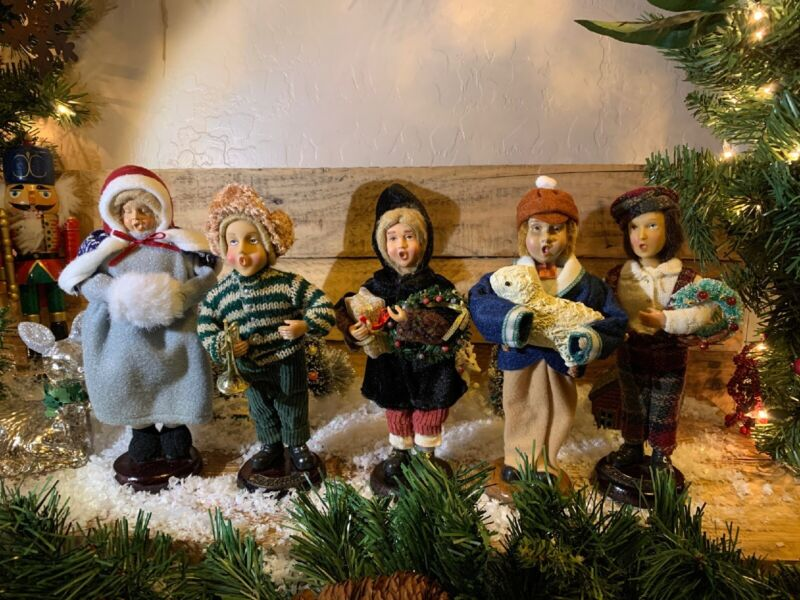 "VTG Mixed Lot of 5 Christmas Caroler Figures, Holiday Decor 10"" & Music Sheet"