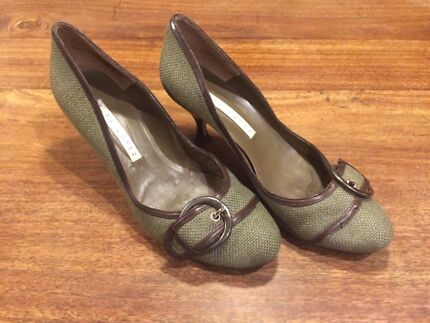 Pura Lopez heels great condition