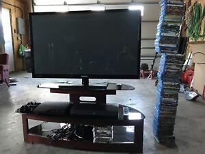 Ensemble de tv avec meuble, Blu-ray player , films