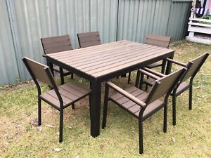 Outdoor table and chairs setting