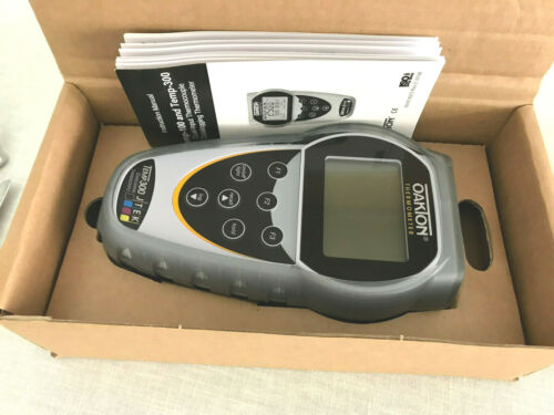 Cole Parmer Oakton Temp300 Dual Input Thermocouple Datalogging Thermometer +Boot
