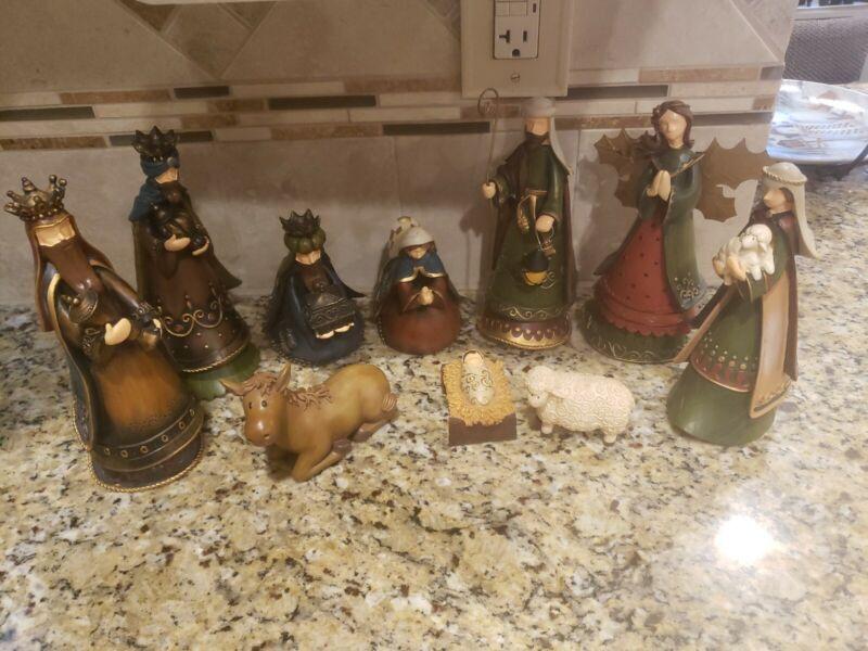 At Home America Nativity