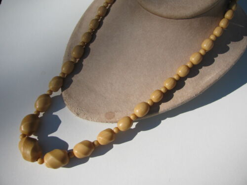 RARE DECO VINTAGE FRENCH CELLULOID TWISTED BARREL BEADS SCREW CLASP NECKLACE