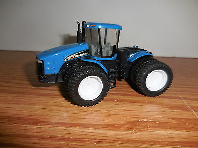ERTL 1/64 TRACTOR NEW HOLLAND TJ530 4X4 WITH DUALLS  FARM TOY COLLECTIBLE