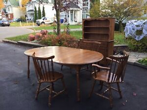 The Maple wood dining set