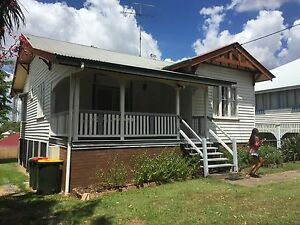 House furnished 4 rooms 5min from UQ Dutton Park Brisbane South West Preview