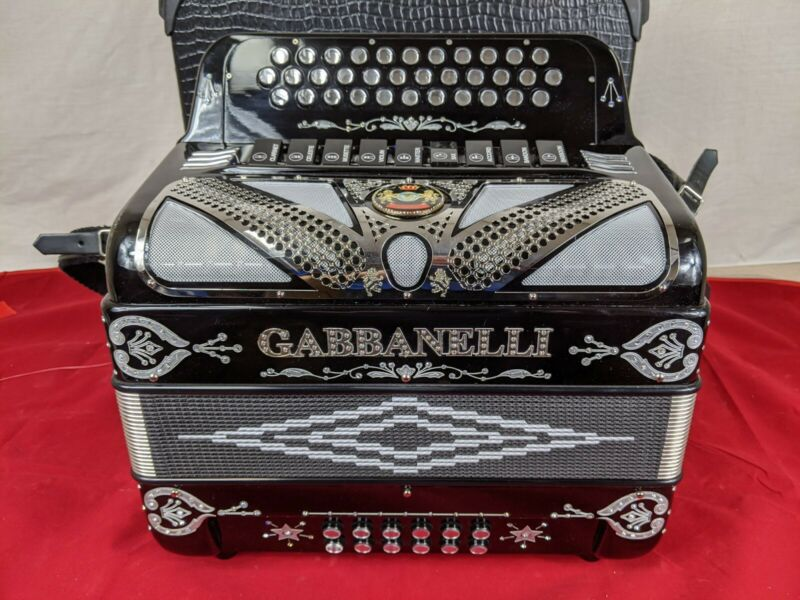 Gabbanelli M900 Black Accordion
