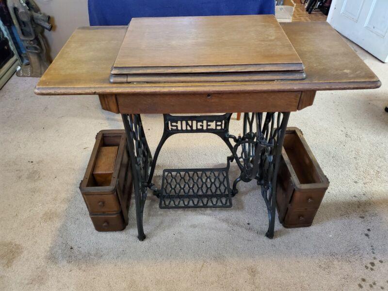 Vintage 1920 Singer No 66-1 Red Eye Treadle Sewing Machine Original Cabinet &Acc