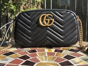GG Marmont Small Shoulder Bag in Black