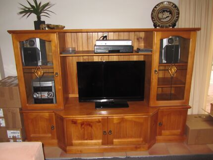 Pine Entertainment Unit Grays Point Sutherland Area Preview