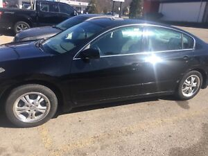 Selling Nissan Altima 2007
