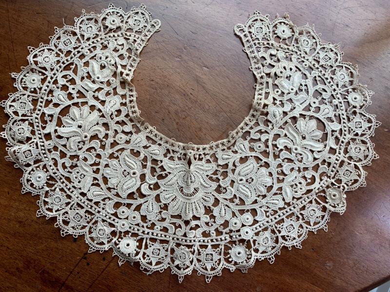 Antique Victorian Lace Collar Ecru in Color Floral Design