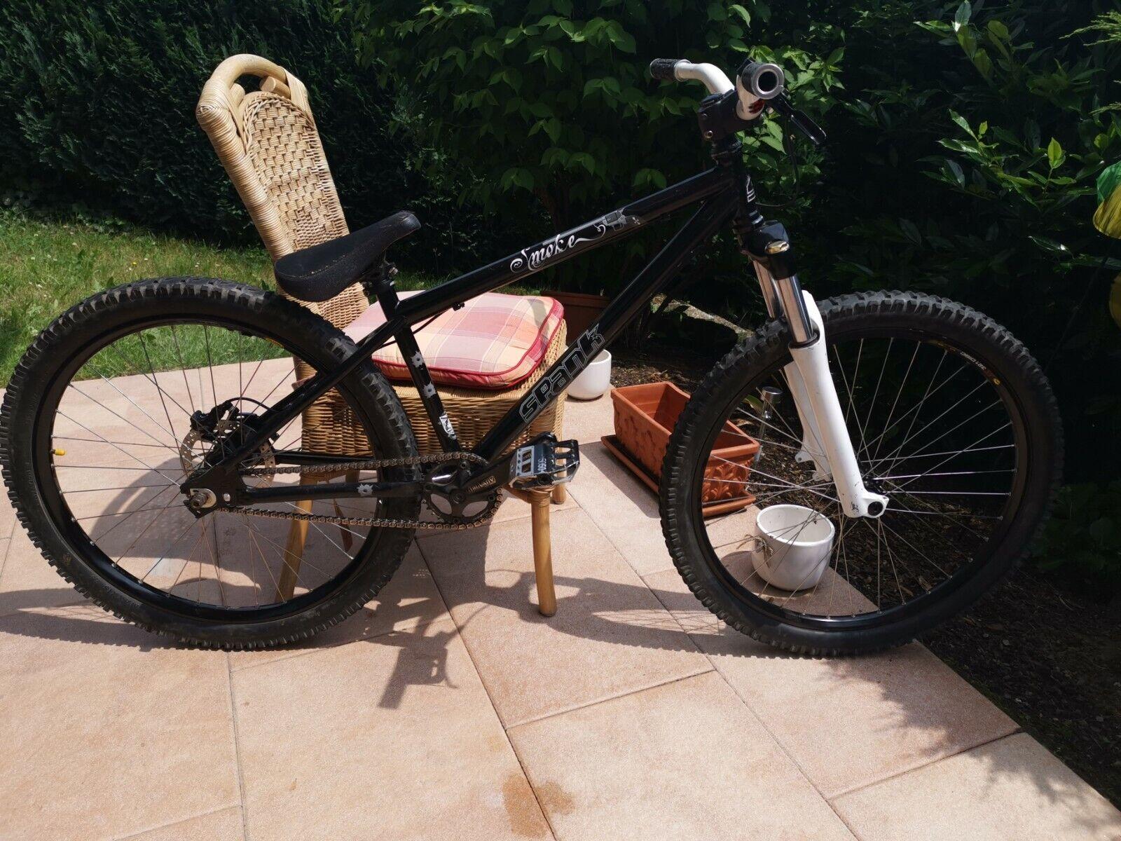 Dirt Bike Spank Smoke 26 Zoll