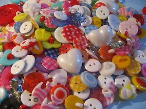 Bunte Mischung Kinderknöpfe 50g, ca 100 Stück   Niedlich Knopf  (100 gr=15€)