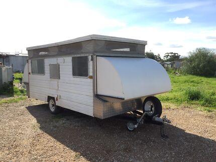 Cabana caravan