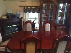 Dinning table set with Hutch