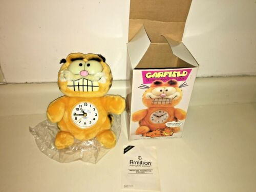GARFIELD ARMITRON QUARTZ ANALOG CLOCK 1978   GLOW IN THE DARK . With BOX, SUPER.