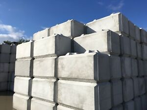 Jersey barriers Concrete barriers delivered