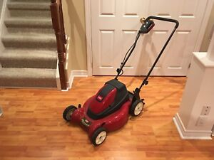 Toro e-Cycler Lawnmower