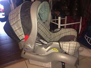 Graco snugride35 travel set. Car seat, base, stroller