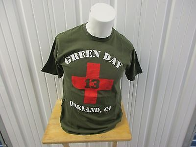 VINTAGE GREEN DAY 2009 WORLD TOUR MEDIUM GREEN T-SHIRT PRE OWNED