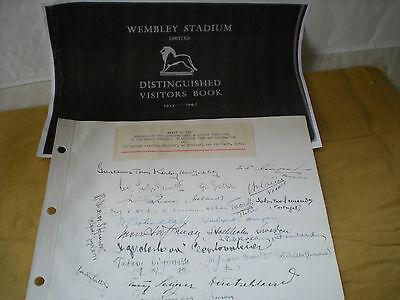 ORIGINAL Signatures of The visit to Wembley Stadium in 1939 of World Congress..