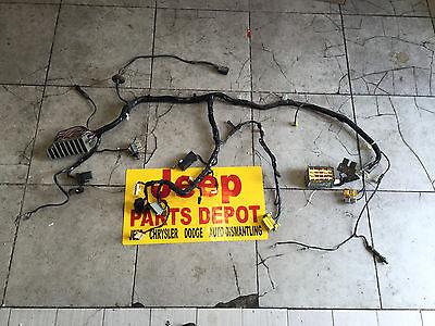 2000 jeep wrangler under dash wire harness w fusebox 56009509aj 2000 jeep wrangler under dash wire harness w fusebox 56009509aj oem mopar tj