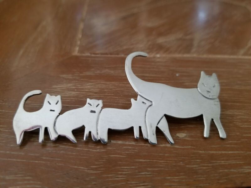 Vintage Very Alert Momma Cat w 3 kittens Fine Sterling Silver Pin Made in Mexico