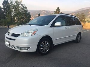 (2005) Toyota Sienna LE (1Owner) 7seats