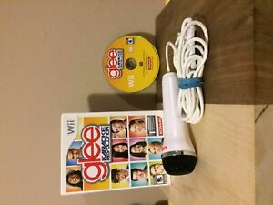 Glee : Karaoke Revolution + USB Mic for Nintendo Wii