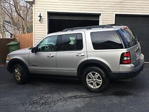 2007 Ford Explorer XLT SUV, Crossover - Car body Person special
