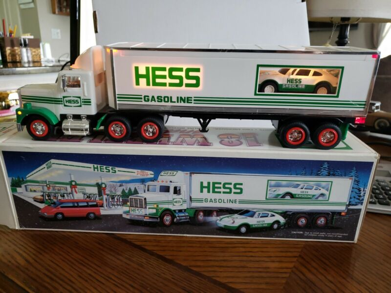 1992 Hess Truck Tractor Trailer and Racer Porsche Type in Original Box TESTED