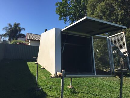 Ute canopy with dog cage  Muswellbrook Muswellbrook Area Preview